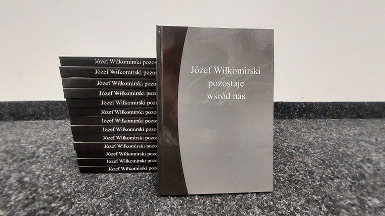 okładka książki wspomnieniowej o Józefie Wiłkomirskim
